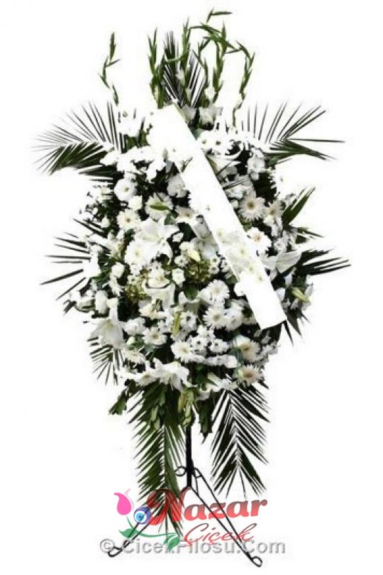 Ayaklı ferforje üzerine beyaz tonlarda çiçekler