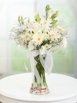 Beyaz Kır Çiçekleri