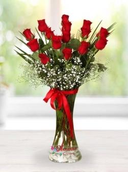 Sevgiliye Vazoda 15 Kırmızı Gül